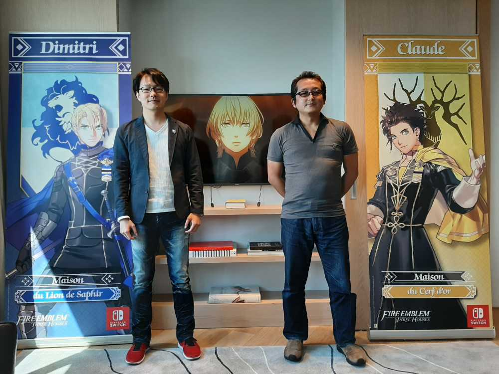 Foto dos co-diretores de Fire Emblem: Three Houses