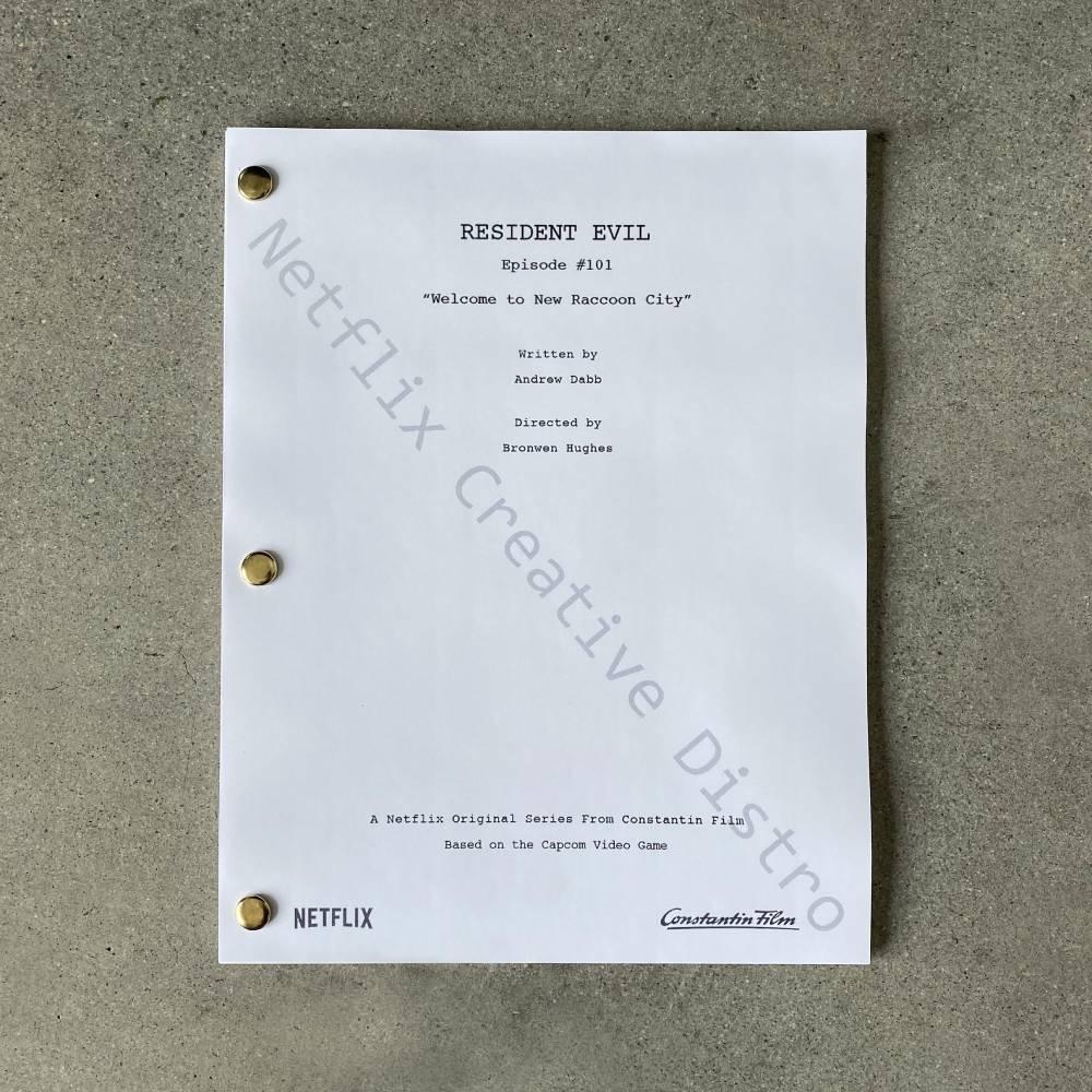 Foto do roteiro do primeiro episódio do seriado live-action baseado em Resident Evil